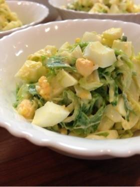 キャベツと卵の定番茹でサラダ
