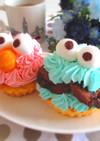 エルモ&クッキーモンスターのカップケーキ