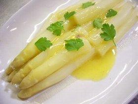 ホワイトアスパラガスのレモンバターソース