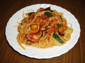 ナスとホウレン草のトマトソーススパゲティ