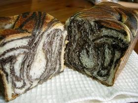 お手製ショコラマーブルパン