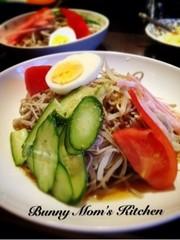 和風冷し中華的な◎野菜たっぷり蕎麦サラダの写真