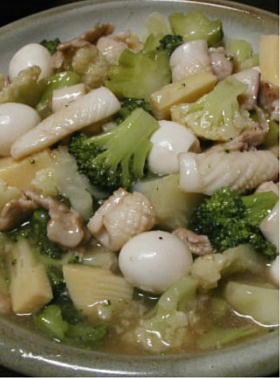 イカと豚肉新緑仕立て八宝菜風