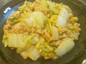 速攻・簡単♪白菜と鶏ミンチのオイマヨ炒め