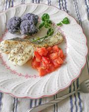 白身魚の米粉ソテー*さっぱりトマトソースの写真
