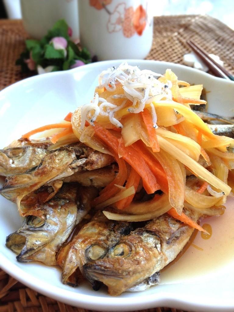 お魚好きに☆シシャモとシラスの南蛮漬け