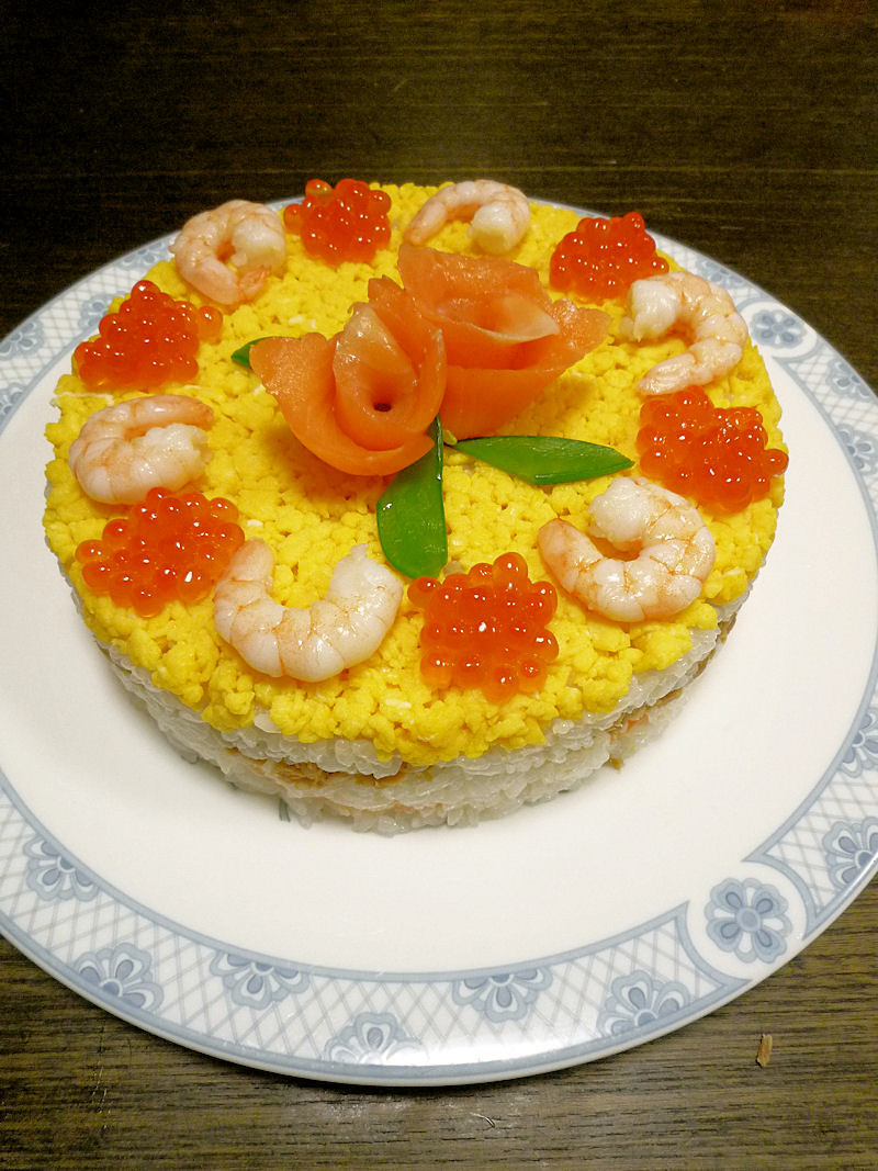 ひな祭りにママの寿司ケーキ