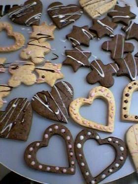 チョコペンで落書きクッキー