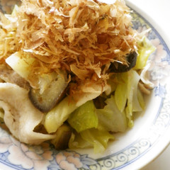 キャベツと茄子の蒸し豚(゚(・・)゚)