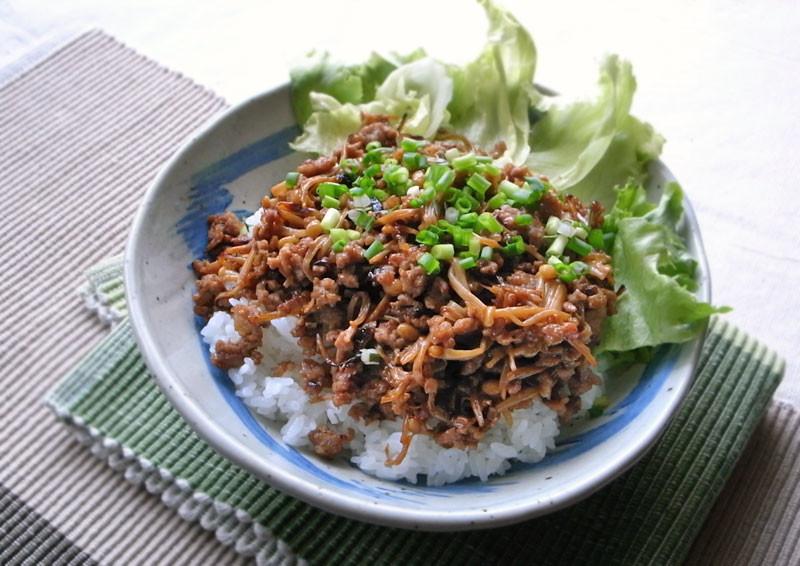 豚 ひき肉 そぼろ 丼 ご飯がどんどん進む!お手軽ひき肉を使った丼レシピ15選|All