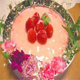 イチゴとチョコのムースケーキ