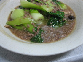 チンゲン菜とミンチのスープ