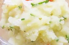 新じゃがと新玉葱のシンプルサラダ