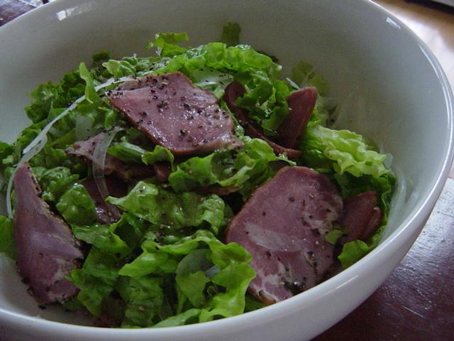 牛タンスモークのさっぱりサラダ