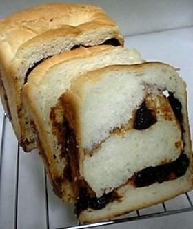 シナモンプルーン食パン
