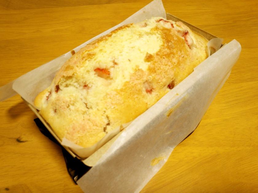 *簡単・ヘルシー*HMで苺パウンドケーキ
