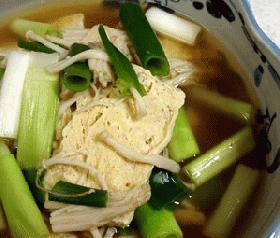 凍った豆腐とエノキの煮物