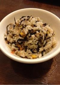 栄養満点♥️昆布とひじきの炊き込みご飯