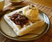 おやつに☆小豆とバニラアイスのモッフルの写真