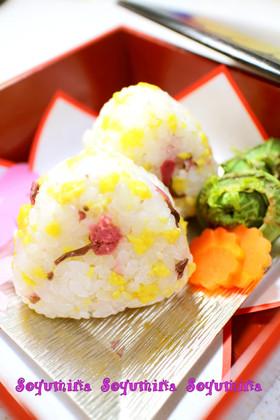 ✿お花見お弁当に✿桜の花✿甘卵✿おにぎり
