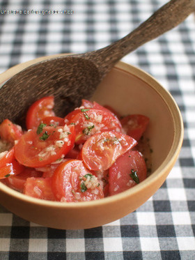 トマトだけサラダ。