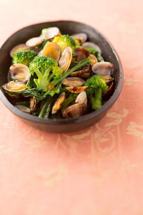 小松菜とブロッコリーのあさりの酒蒸し