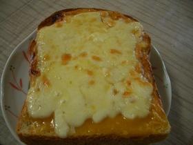 我が家の田楽味噌で・・・チーズトースト♪