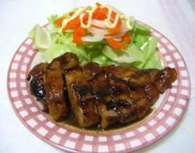 鶏の照り焼き(黒酢入り)