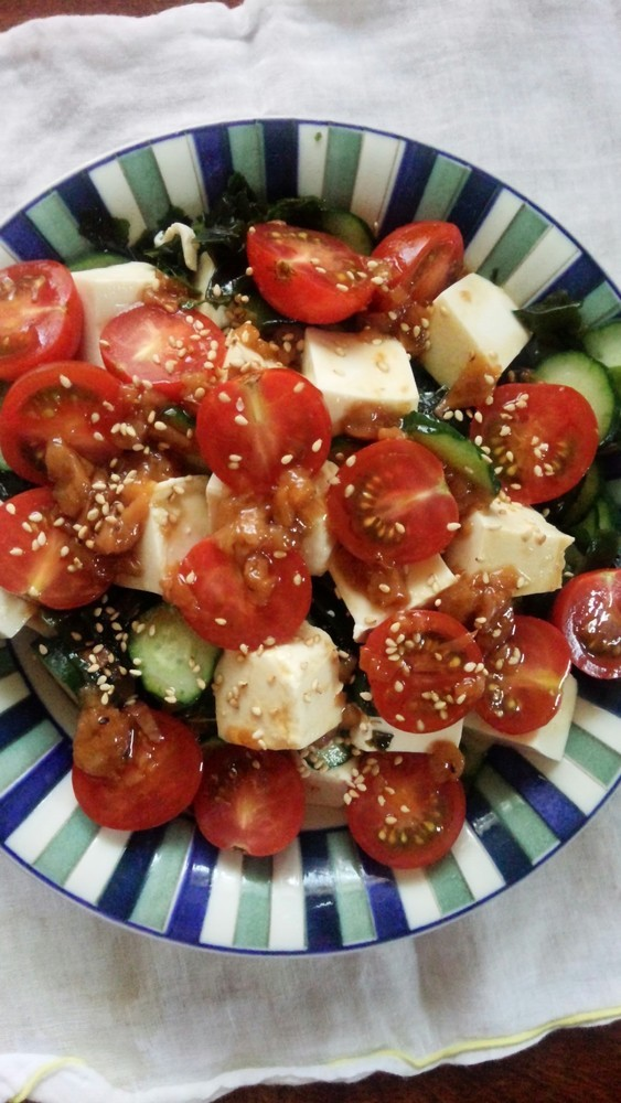 簡単!豆腐ときゅうりとトマトの梅ドレがけ