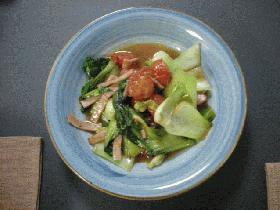 チンゲン菜とトマトの炒め物