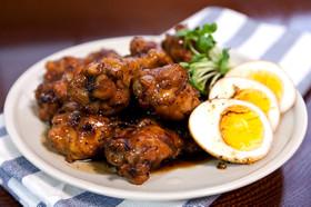 【骨付き鶏肉】コーラ煮で作る甘辛煮!