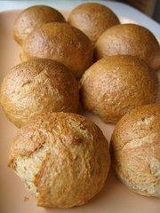 油・卵不使用☆☆ライ麦と全粒粉の丸パンの写真