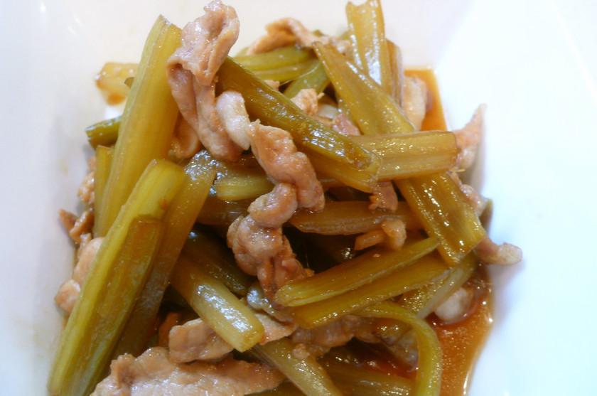 季節のお惣菜♪フキと豚コマ肉の炒め煮❀