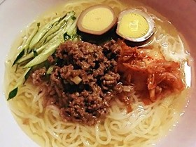 肉味噌トッピング冷麺