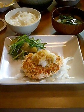 ヘルシー♪鮭と豆腐のハンバーグ♪