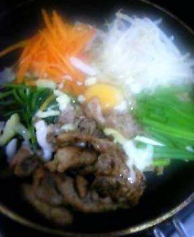 肉味噌炒飯で☆鍋ビビンパ☆