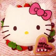 初めてでも簡単!キティちゃん ケーキ♡の写真