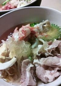 ゴマ香る韓国五目冷麺
