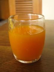 清見オレンジのフレッシュジュースの写真