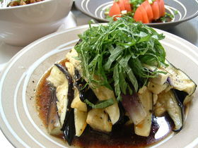揚げ茄子の酢醤油サラダ