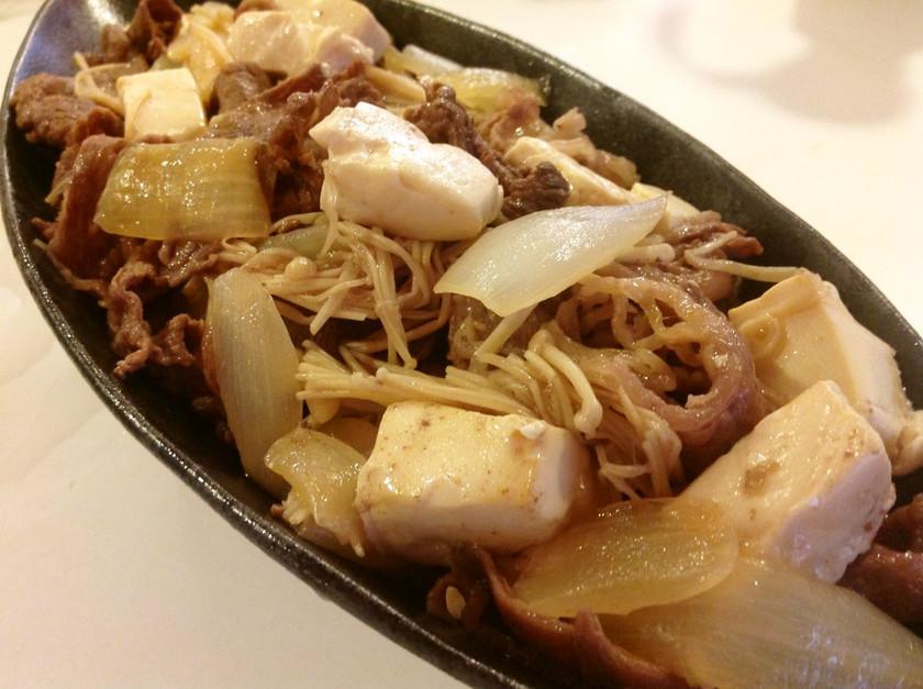簡単☆豆腐の旨味が引き立つおいしい肉豆腐