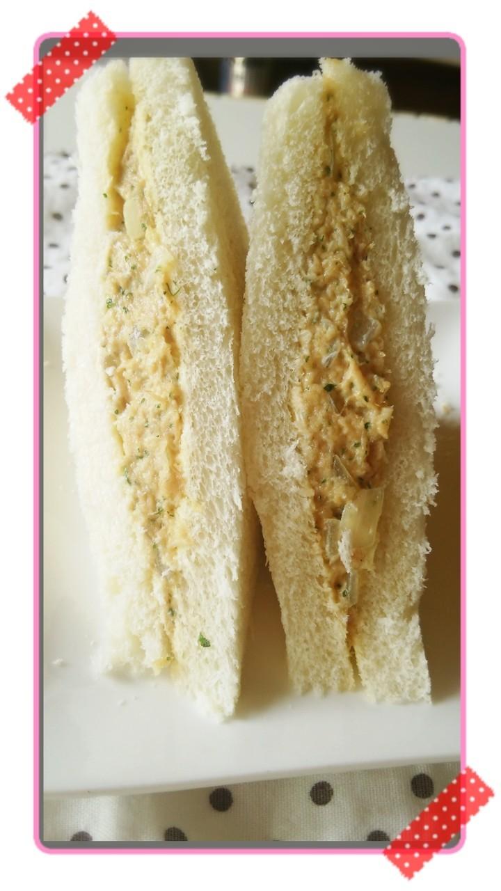 美味しいパン屋さんのツナサンドイッチ