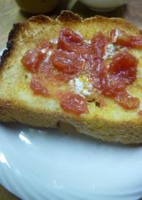 トマトジャムのトースト