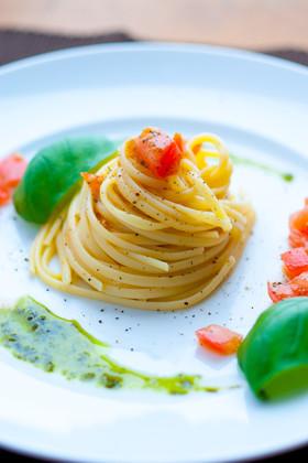 トマトとレモンオリーブオイルの冷静パスタ