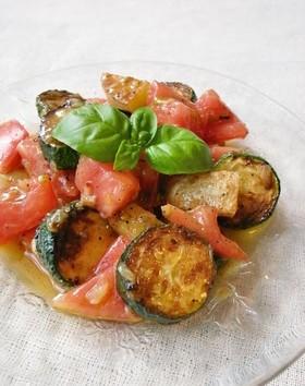 グリルズッキーニとトマトのマリネサラダ