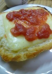 トマトジャムのチーズトースト