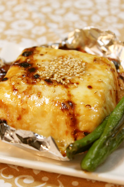 簡単一品*豆腐の味噌マヨチーズ焼き