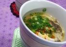 もずく酢とえのきで酸辣湯風スープ