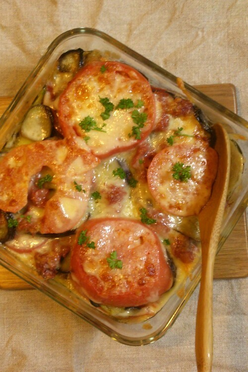母の味!なすとトマトのコンビーフグラタン