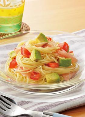 トマトとアボカドのさわやか冷製パスタ
